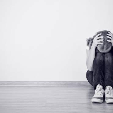 Depresia – care sunt cauzele apariției acestei afecțiuni, cum se manifestă și cum poate fi tratată?